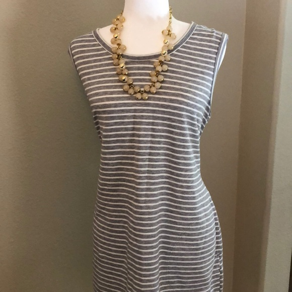 32 Degrees Dresses & Skirts - EUC Grey and White Striped Sleeveless Dress